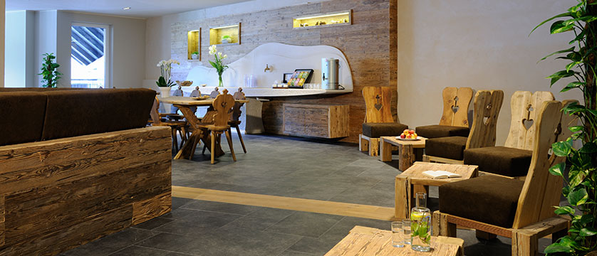 Krumers Post & Spa Hotel, Seefeld, Austria - lounge.jpg